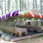 Украшение воздушными шарами уличной торговли